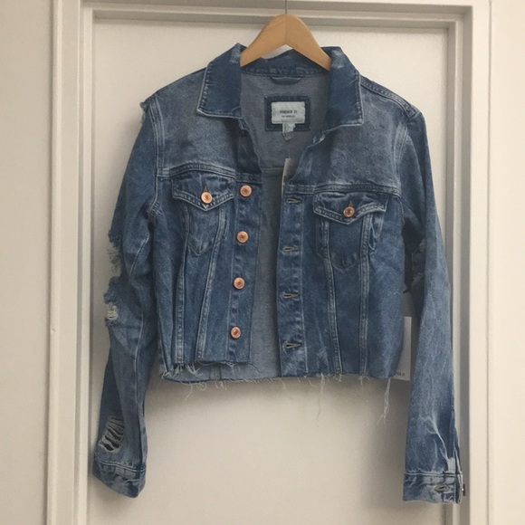 Forever 21 Jackets & Blazers - Forever 21 cropped denim distressed jean jacket